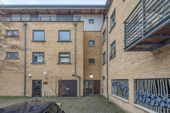 Thumbnail Flat for sale in Central Oxford, Oxfordshire
