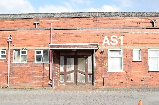 Office to let in Blackburn Road, Clayton Le Moors, Accrington
