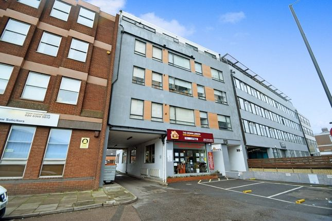 2 bed flat to rent in Ballards Lane, North Finchley