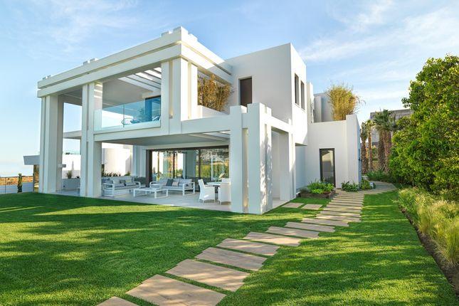 Villa for sale in Los Flamingos Golf, Costa Del Sol, Spain