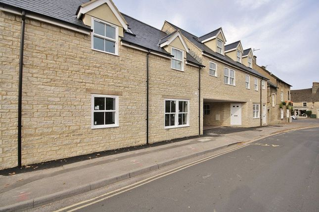 Thumbnail Flat to rent in The Crofts, Witney