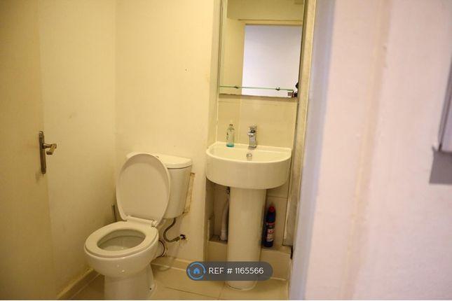 Room to rent in Saughton Mains Park, Edinburgh EH11