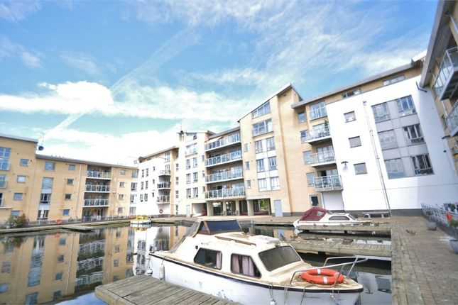 Thumbnail Flat for sale in Lockside Marina, Chelmsford, Essex