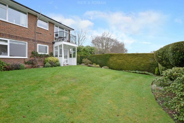Thumbnail Flat for sale in Copsem Lane, Esher