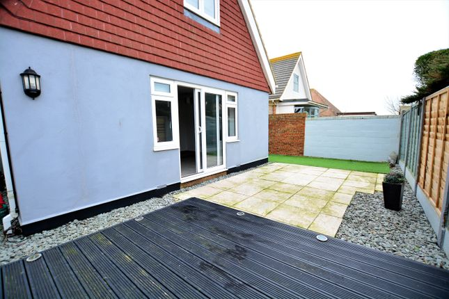 Thumbnail Detached house to rent in Wellington Road, Peacehaven