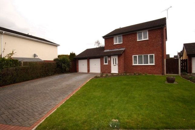 Thumbnail Detached house for sale in Alyn Drive, Rossett, Wrexham