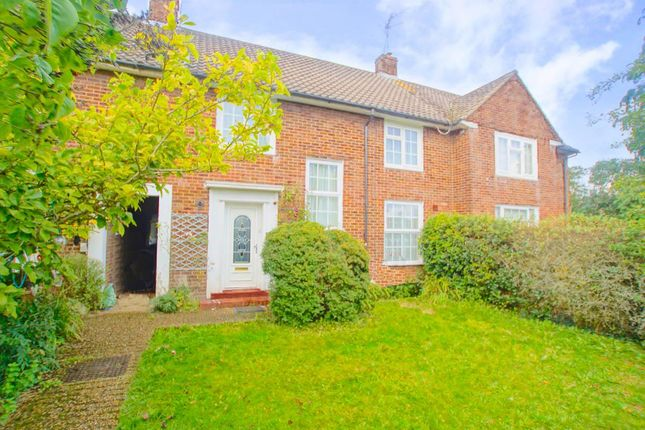 Thumbnail Terraced house to rent in Parkway, Welwyn Garden City
