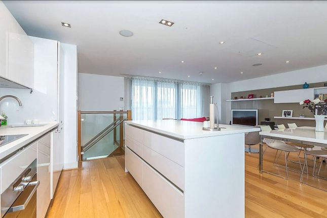 Thumbnail Flat for sale in Christopher Court, 97 Leman Street, Times Square, London