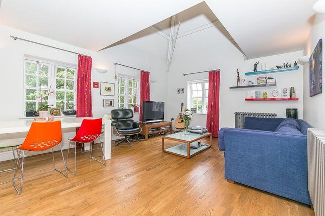 Thumbnail Maisonette to rent in Forfar Road, London