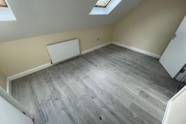 Thumbnail Property to rent in Biscot Road, Luton