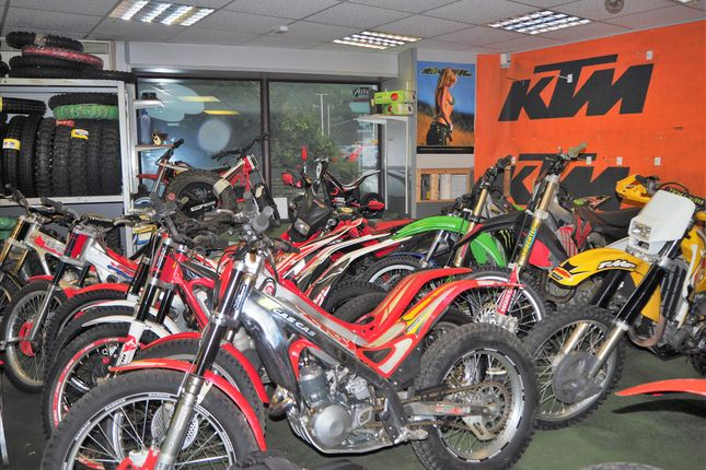 Thumbnail Parking/garage for sale in Vehicle Sales And Hire HD6, West Yorkshire