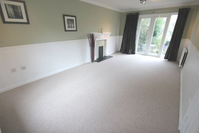 Thumbnail Detached house to rent in Halstead Road, Colchester