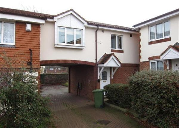 Main Picture of St. Peters Close, Swanscombe DA10