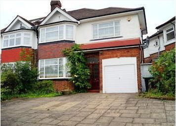 4 bed semi-detached house to rent in Chandos Avenue, Southgate
