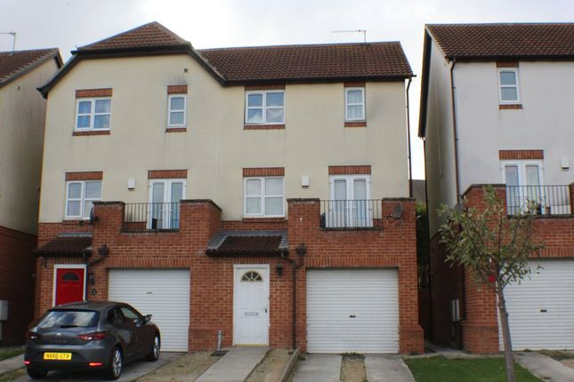4 bed detached house to rent in Stapylton Drive, Peterlee