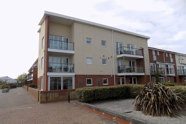 Thumbnail Flat for sale in Selman Close, Hythe