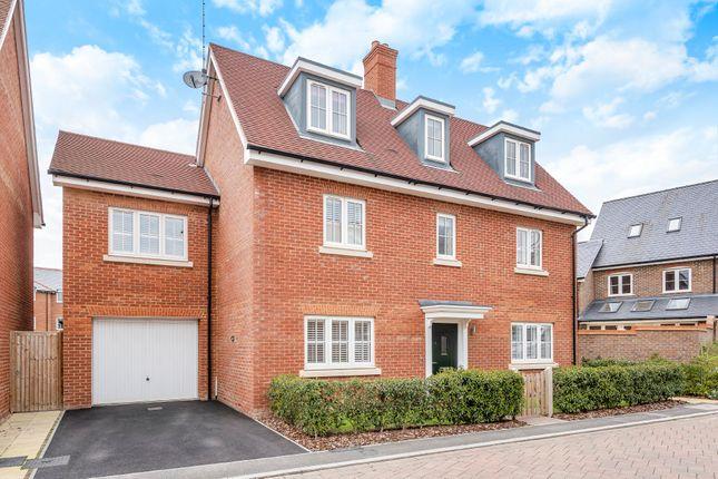 Adams Close, Wickhurst Green, Horsham RH12