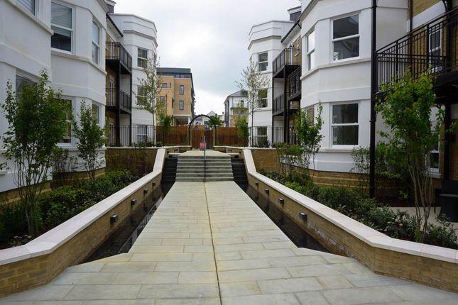 Thumbnail Flat to rent in Henrieta Place, Royal Wells Park, Tunbridge Wells