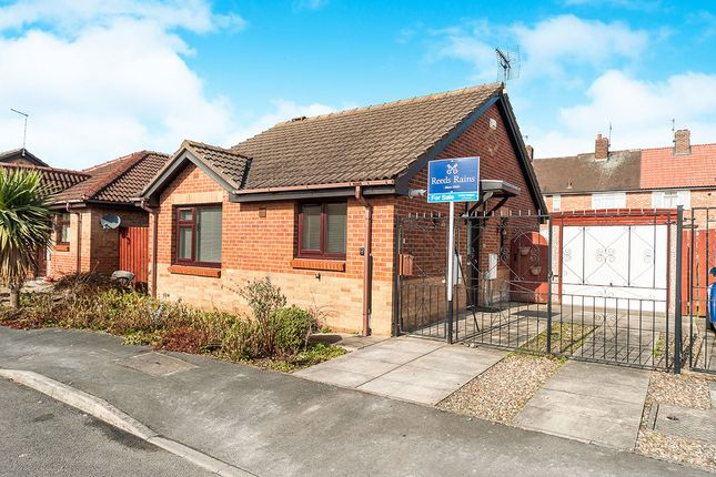 Thumbnail Bungalow for sale in Hotton Close, Hull
