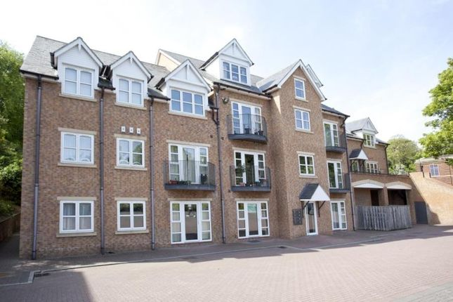 2 bed flat to rent in Poppy Fields, Deighton Road, Wetherby LS22