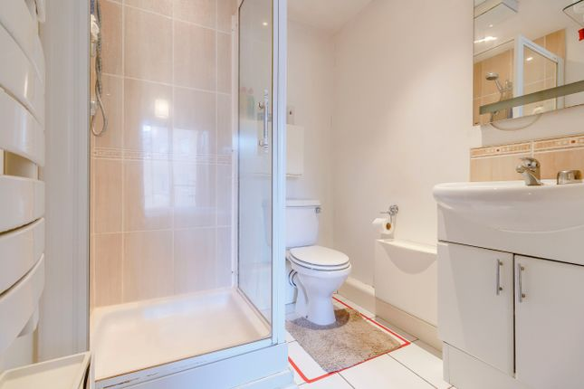 En-Suite of Highfield Road, Feltham TW13