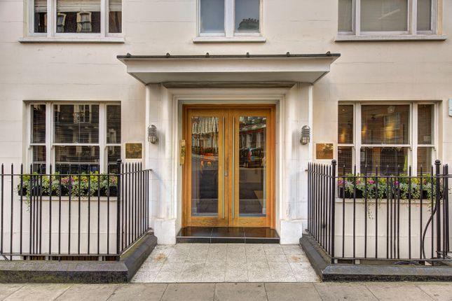 Thumbnail Studio to rent in Hill Street, London