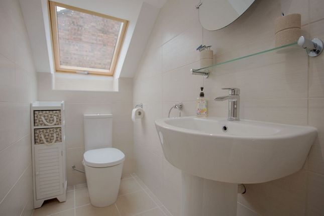En Suite of Broadway, Yaxley, Peterborough, Cambridgeshire. PE7