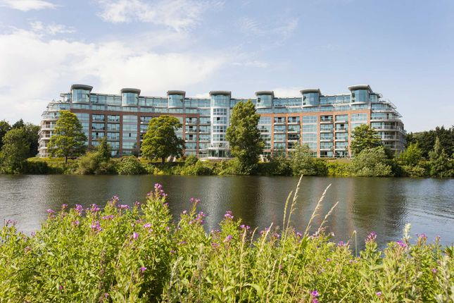 Thumbnail Flat for sale in River Crescent, Trent Park