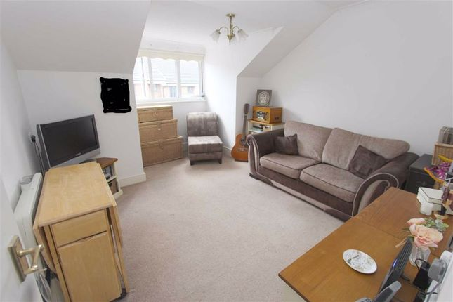 Lounge/Diner of Ellen Court, North Chingford, London E4