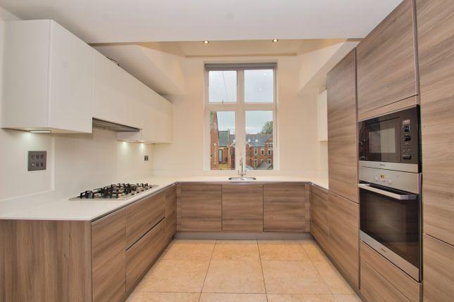 Thumbnail Flat to rent in Washington House, Marlborough Drive, Royal Connaught Park, Bushey