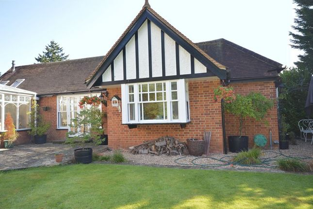 Thumbnail Bungalow to rent in Ledborough Lane, Beaconsfield