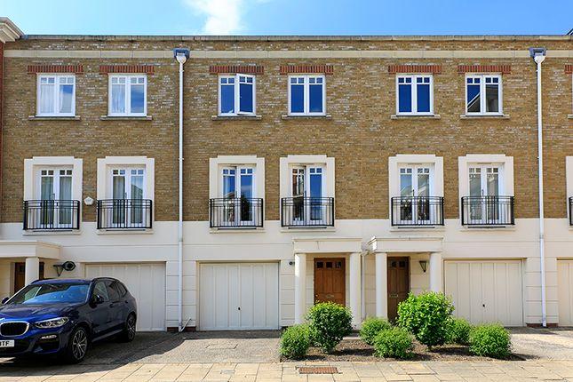Thumbnail Town house to rent in Cambridge Road, East Twickenham