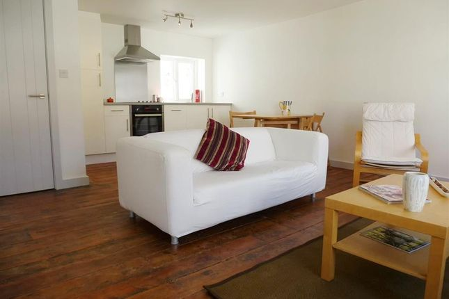 Thumbnail Flat to rent in Winchester Street, Salisbury