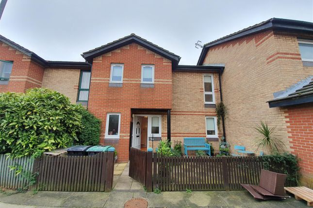 Thumbnail Terraced house for sale in Newland Road, London