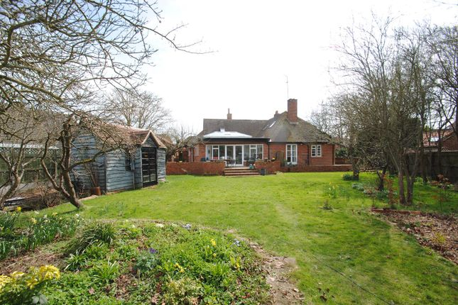 Thumbnail Property for sale in Foliat Drive, Wantage