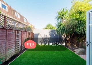 Thumbnail Terraced house to rent in Aspen Close, London
