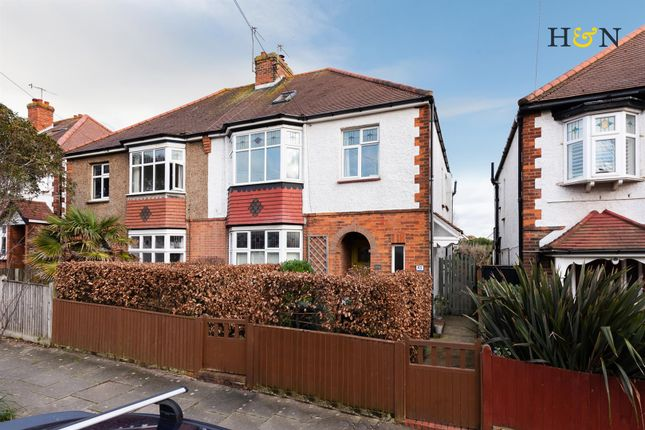 Thumbnail Flat for sale in Jesmond Road, Hove