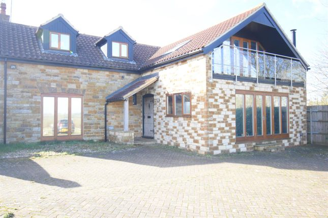 3 bed property to rent in Rushton Road, Rothwell, Kettering NN14