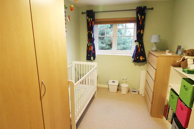 Bedroom Two of Clonmel Close, Caversham, Reading RG4