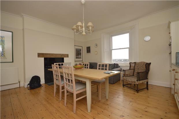 2 bed flat to rent in Top Floor Flat, Upper Belgrave Road, Bristol