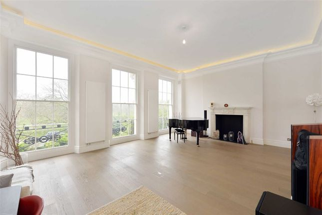 Thumbnail Property to rent in Chester Terrace, London