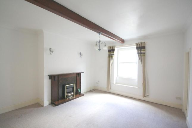 Thumbnail Maisonette to rent in Westgate, Sleaford, Lincolnshire