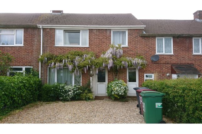The Property of Home Farm Close, Reading RG2