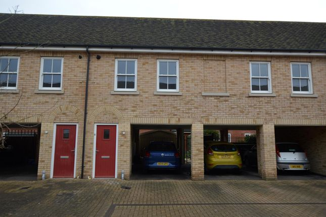 2 bed maisonette to rent in Hussar Close, Colchester CO2