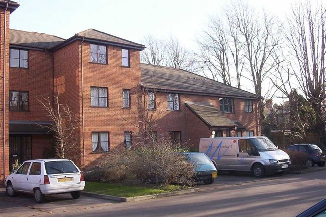 Thumbnail Flat to rent in Cranbrook, Woburn Sands, Milton Keynes, Bucks