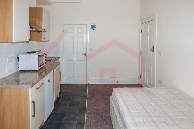 Studio to rent in Room 1, Vaughan Avenue