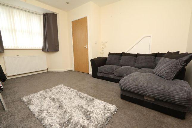 Lounge of Taylor Road, Bradford BD6