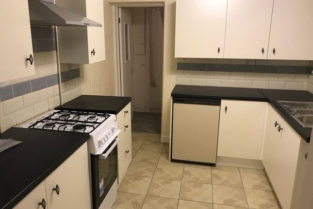 Thumbnail Flat to rent in 139 Broadway, Treforest
