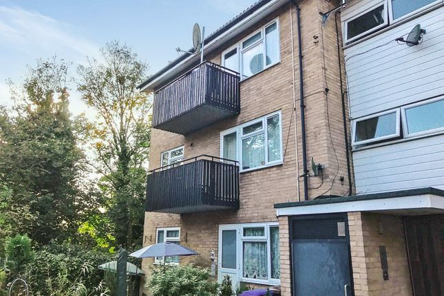 Thumbnail Flat for sale in Cambridge Drive, Ipswich