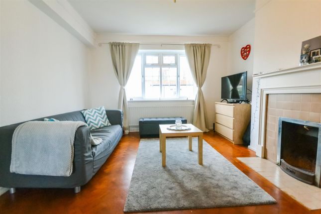 Thumbnail Property to rent in Spencer Road, London